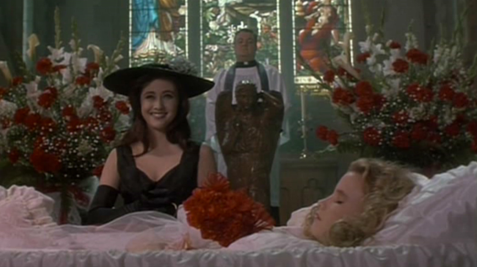 Screencaps-heathers-749764_1600_900